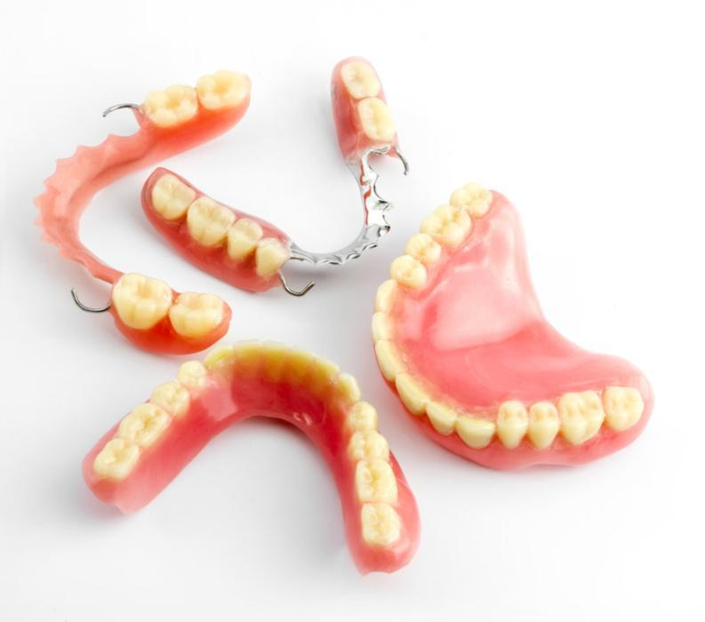 Dr. Fairfax & Associates Family Dentistry | Full & Partial Dentures